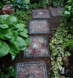 diy-or-buy-how-to-make-a-garden-mosaic-stepping-stone-or-where-to-buy-if-your-plate-is-full_4