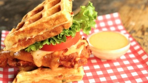 buttermilk_fried_chicken_waffle_sandwich_recipe1